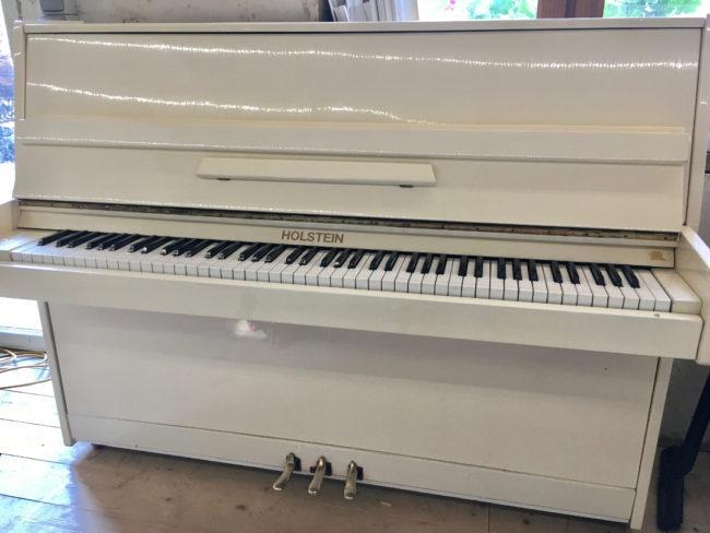 piano blanc location